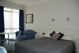 Superior Hotel Rooms Griffith